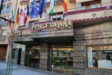 Princesa Ana -                             Granada