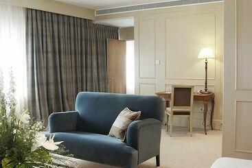 Gran Hotel La Perla - パンプローナ