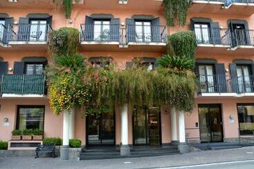 Grand Hotel Flora In Sorrento Starting At 38 Destinia