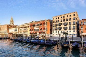 Danieli, A Luxury Collection , Venice - Veneza
