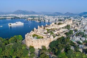 Shiv Niwas Palace By Hrh Group Of S - Udaipur