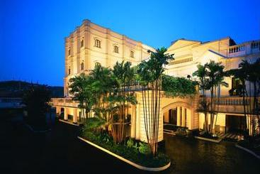 The Oberoi Grand Kolkata - Calcutta