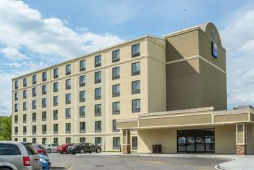 Comfort Inn The Pointe Niagara Falls - Ниагара Фоллс