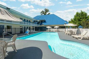 Days Inn By Wyndham Savannah Airport - Savannah