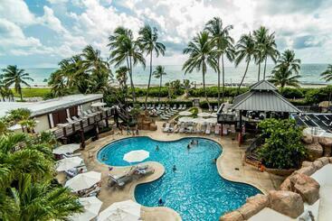 Alexander By Design Suites -                             Miami Beach