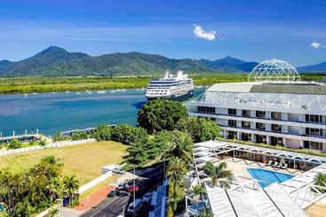 Pullman Reef  Casino - Cairns