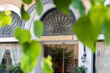 Athens Atrium Hotel & Jacuzzi Suites - Atenas
