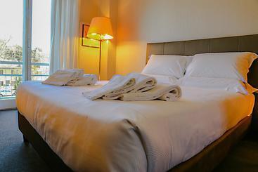 Hotel Al De La Ville Fano