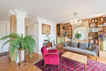 Veeve  Apartment Near Pont De Grenelle - Paris