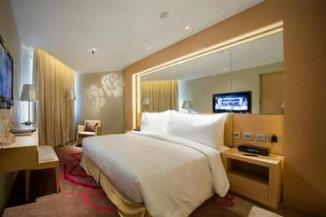 Million Dragon Hotel - Macao