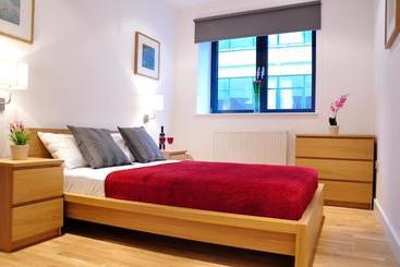 Aldgate Superior Apartments - Londra