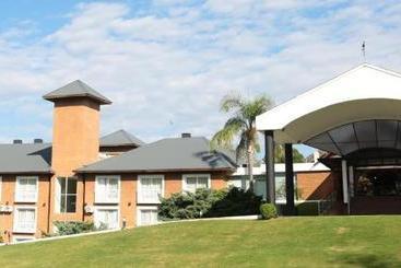 Howard Johnson  & Spa Villa General Belgrano - Cordoba