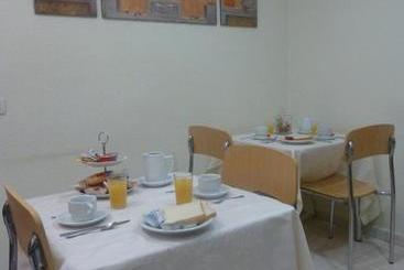 Hostal El Val - Alcala de Henares