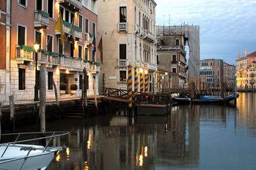 Sina Palazzo Sant Angelo - Венеция