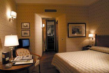 Piranesi Hotel - Rome