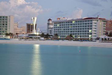 Hotel Krystal Cancun