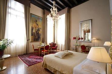 Liassidi Palace - 베네치아
