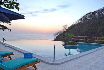 Paraiso Escondido  Villas & Resort - Mizata