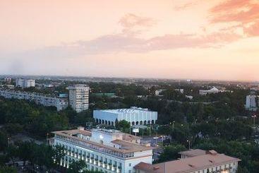 Lotte City Hotel Tashkent Palace - Tashkent