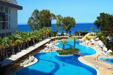 DoubleTree by Hilton Antalya Kemer - Kemer
