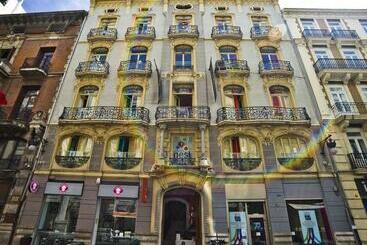 Red Nest Hostel -                             Valencia