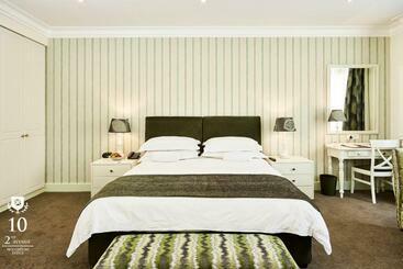 10 2nd Avenue Houghton Estate - Johannesburg