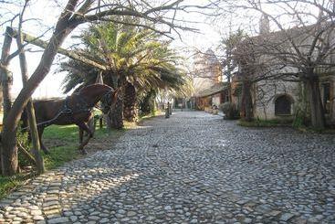 Yeguada Senillosa - Castello d'Empuries