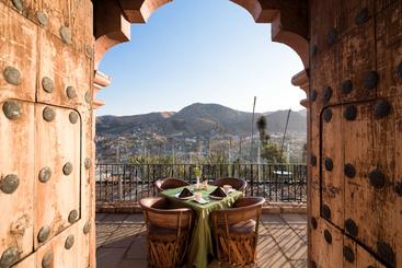Misión Grand Casa Colorada - Guanajuato