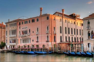 Ca  Sagredo - ונציה