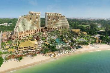 Centara Grand Mirage Beach Resort Pattaya - Pattaya