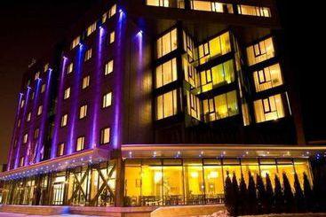 West City Hotel -