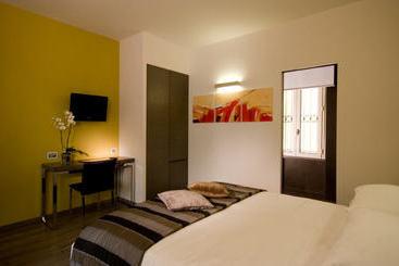 Hotel residenza borghese en roma desde 26 destinia for Stylish hotel rooms