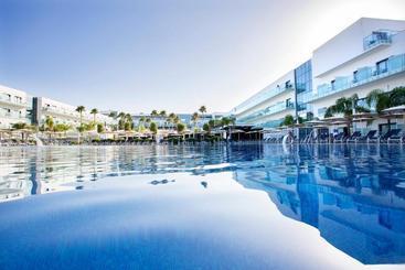 Swimming pool Hipotels Gran Conil & Spa Conil de la Frontera