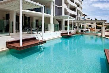 Waters Edge Apartment Cairns - Cairns