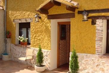 Hotel rural posada estrella matutina en fuentepelayo - La casa del cubon ...
