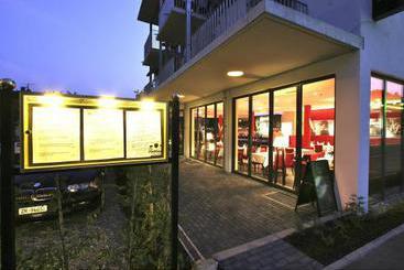 Seehotel wellnesshotel adler en ludwigshafen destinia for Bodenseehotel immengarten
