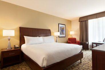 Hotel wyndham boston chelsea en chelsea destinia for Hilton garden inn logan airport