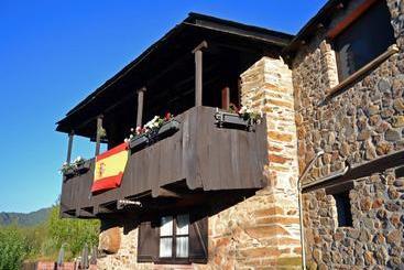 Hotel medulio en las m dulas desde 28 destinia - Casa rural o palleiro do pe do forno ...