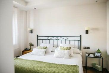 Apartamentos los juncos en xeraco desde 51 destinia - Hotel casa junco ...