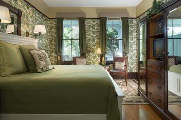 Azalea Inn And Villas - Savannah