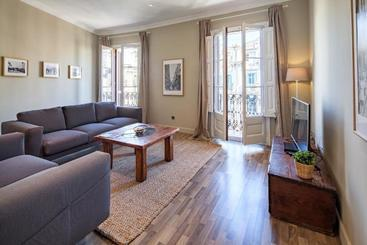 Habitat Apartments Eixample Balconies - Barcellona