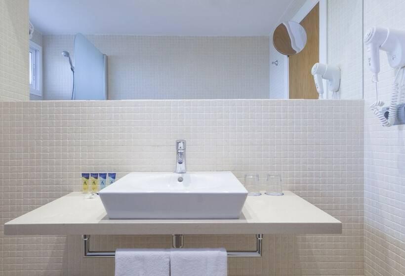 Cuarto de baño Hotel Albahia  Alicante