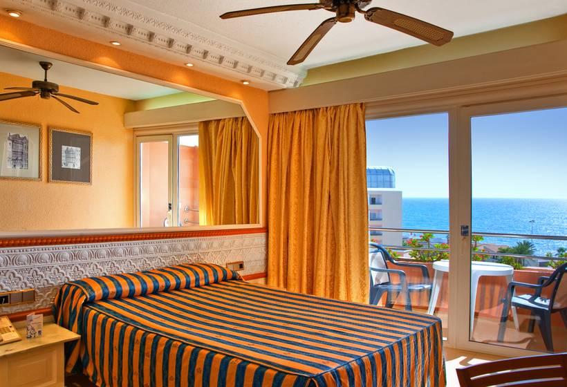 Hotel playacapricho en roquetas de mar destinia for Hotel piscina habitacion