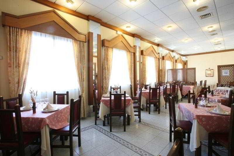 Hotel zeus en m rida desde 19 destinia for Habitacion familiar merida