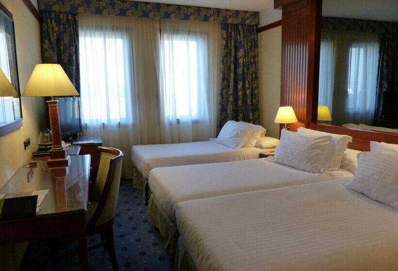 Hotel meli girona en gerona desde 31 destinia for Hotel familiar girona