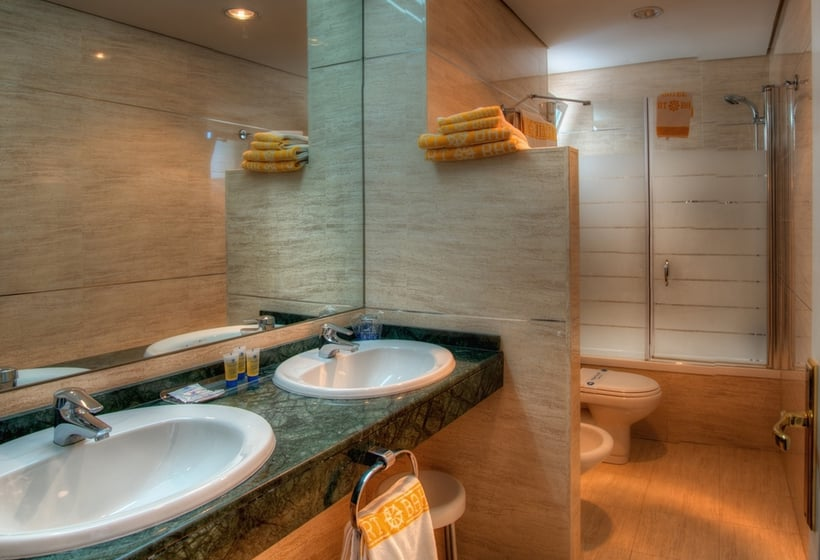 Cuarto de baño Hotel Puertobahia & Spa El Puerto de Santa María