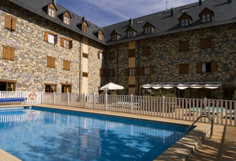 Boi taull resort en bo ta ll desde 39 destinia - Apartamentos boi taull resort ...