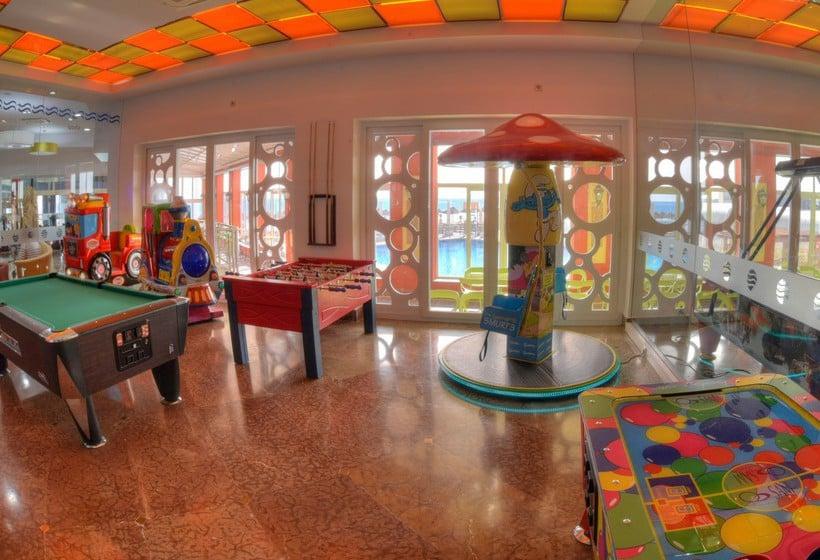 Instalaciones infantiles Hotel Entremares La Manga del Mar Menor