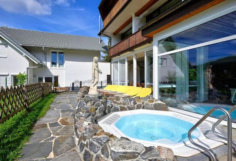 Hotel Park Waldeck In Titisee Neustadt Starting At Aed353 Destinia