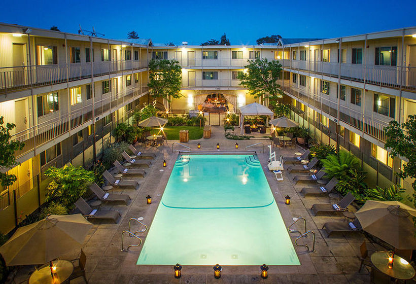 Marin suites hotel en corte madera destinia - Maderas al corte ...